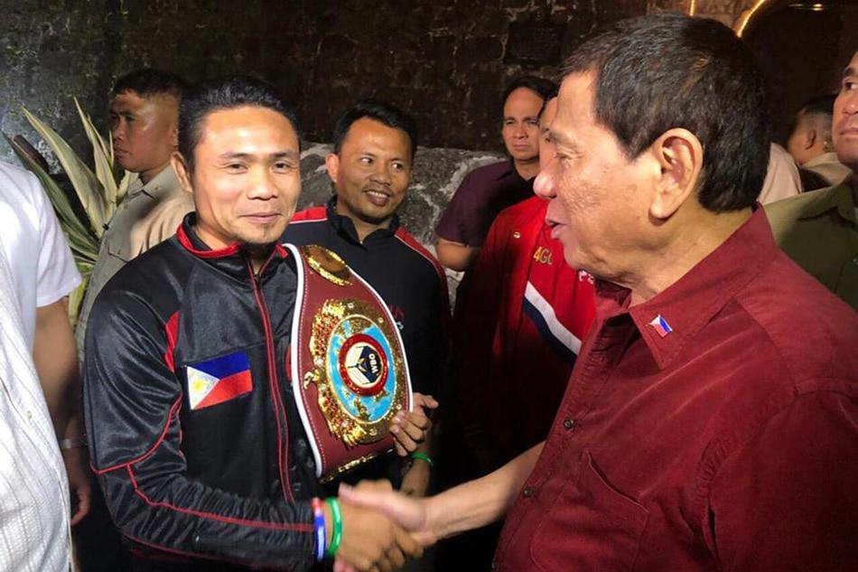 LOOK: Donnie Nietes meets Duterte in Cebu 1
