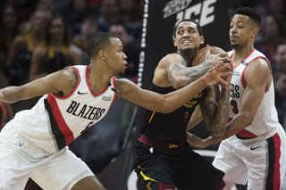 NBA: Blazers start hot, hold off Cavs