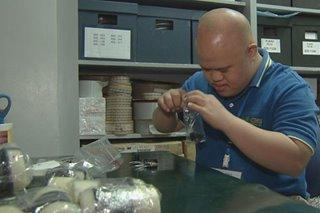 Empleyadong may Down syndrome, handog ang 'bonus' sa magulang