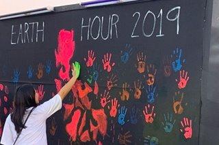 'Ayoko ng plastic': Pinoys join Earth Hour 2019