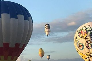 Spectators flock to Pampanga for hot air balloon fest