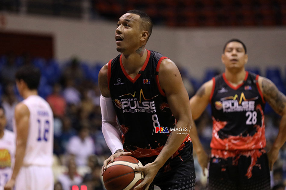 Calvin Abueva fined P70,000, suspended indefinitely
