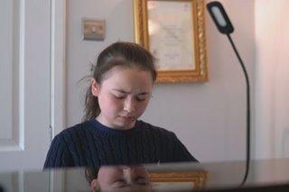 11 anyos na British-Pinay pianist, gumagawa ng pangalan sa UK