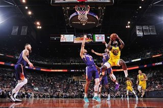 NBA: Balanced Warriors snap skid with rout of Suns