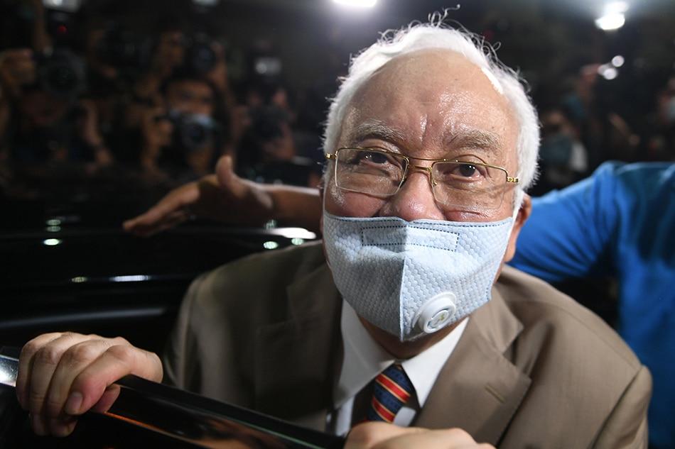 Malaysia's Najib seeks to depose Goldman Sachs, ex-banker in 1MDB defense 1