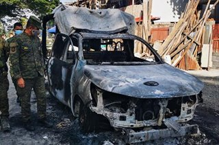 Terror-linked militants burn police car in Maguindanao