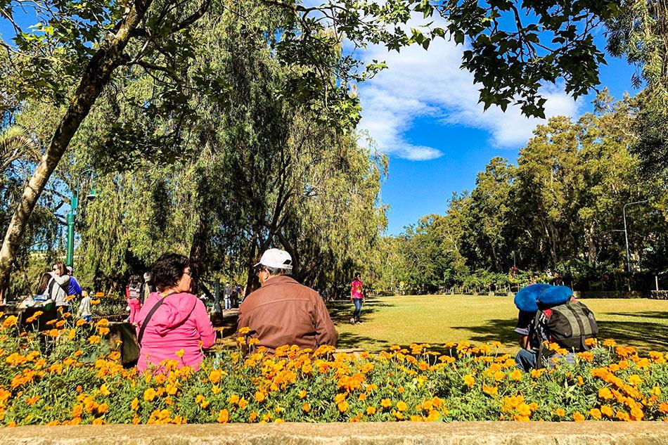 As holiday trash accumulates, Baguio eyes charging tourists environmental fee