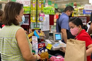 12-hour operations for groceries, drug stores 'strongly encouraged' during lockdown, gov't says