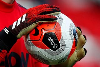 Football: Premier League clubs lobby players to take 30 pct pay hit
