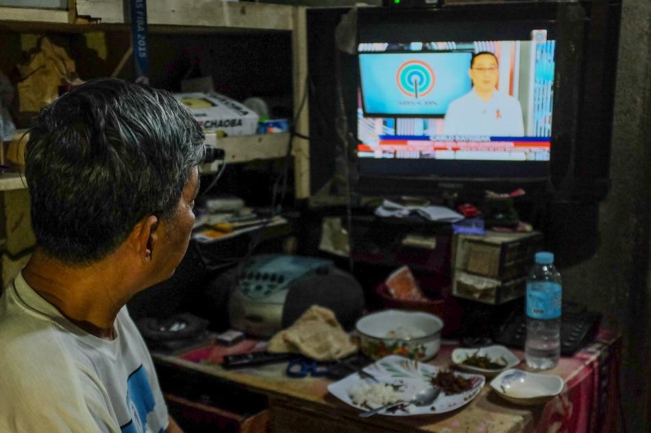 8 million views in one night: Pinoys tune in as 'TV Patrol' returns — online — amid ABS-CBN shutdown 1