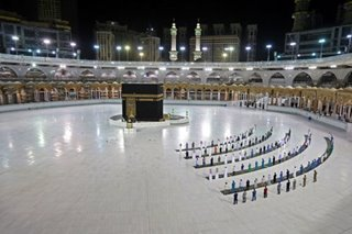 Fajr prayer at the Kaaba