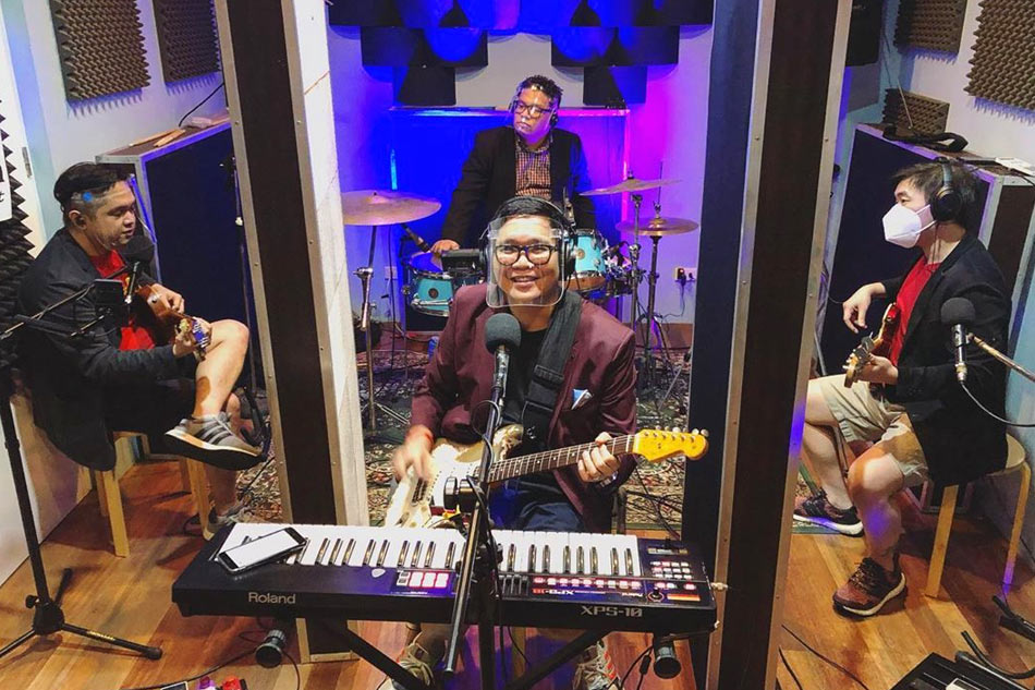 'Bring your own drinks': Itchyworms to hold virtual launch for album made in lockdown