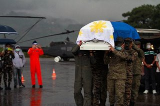 Military honors for Basilan crash crew
