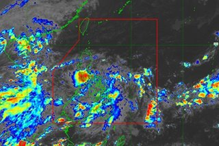 'Ofel' maintains strength as it continues to move towards Marinduque, Romblon