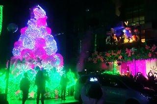PANOORIN: Higanteng Christmas tree sa Pasay City, pinailawan na