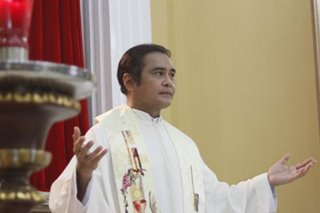 Another best actor award in the offing for John Arcilla as healing priest Fr. Suarez
