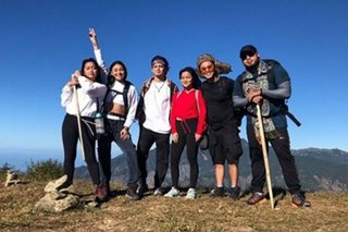 LOOK: James Reid, Nadine Lustre hike Mount Ulap