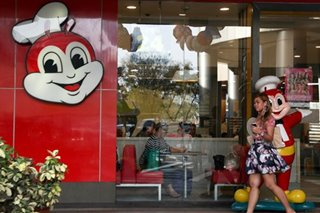 Jollibee 'very committed' to China expansion; 14 Hubei stores closed
