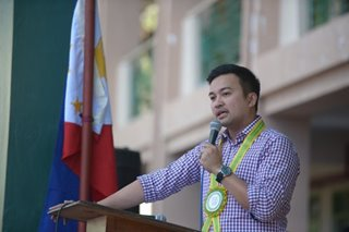 Velasco denies Cayetano 'coup' claims, says to uphold term-sharing pact