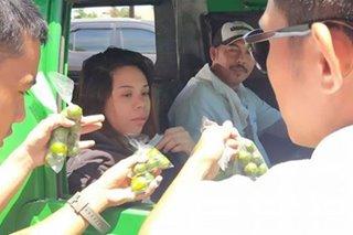 Pangontra sa coronavirus: Kalamansi, ipinamahagi sa mga motorista sa Davao