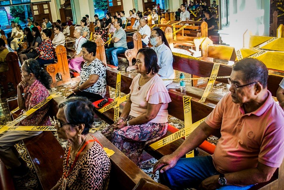 Borongan Cathedral implements social distancing