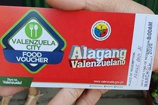 Food vouchers sinimulan nang ipamigay sa Valenzuela