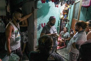 Aid distribution continues in Mandaluyong