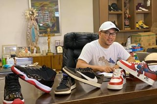 Cainta mayor to continue shoe auction despite P100K cash donation