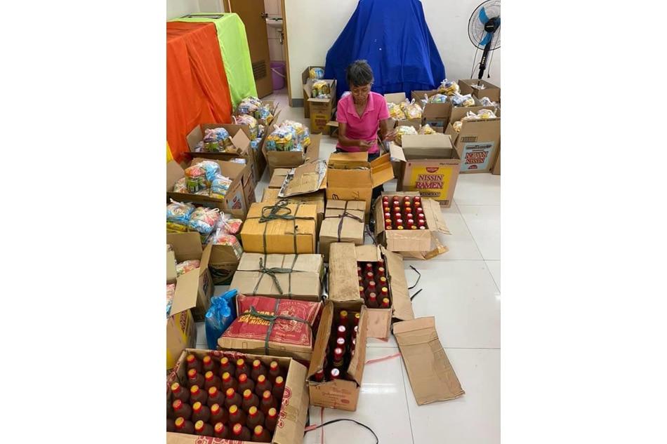 Barangay sa Batac nakakuha ng P136,000 donasyon sa gitna ng COVID-19 lockdown 1