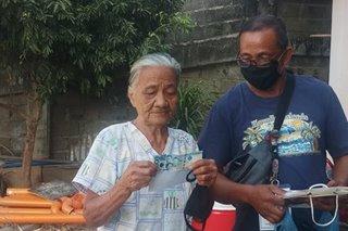 P1,000 kada pamilya, handog ng mga OFW sa isang barangay sa Laoag City
