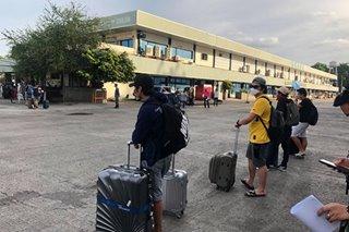 Ilang stranded na OFW, pinagpasa-pasahan umano bago dalhin sa maduming lodging house