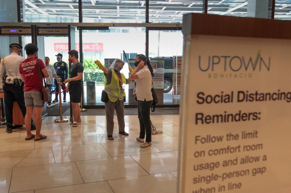 Megaworld malls going 'above' gov't requirements for virus checks 1
