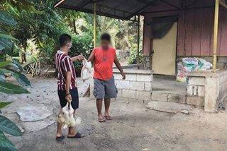 Radio station na namahagi ng ayuda balak kasuhan dahil sa 'kawalan ng koordinasyon'