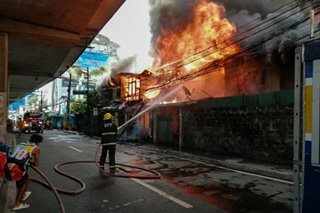 Fire hits residential area in EDSA-Kalayaan