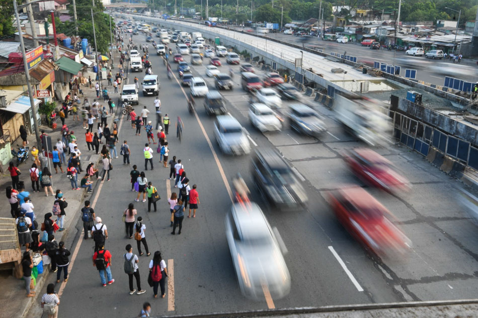 Commuter woes in Metro Manila as lockdowns ease further