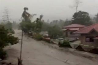 Nasa 400 bahay nalubog sa baha, putik sa Batangas