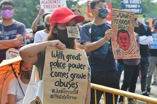 'Bakit si Sinas?': Mga pasimuno ng 'mañanita protest' may babala sa mga pulis