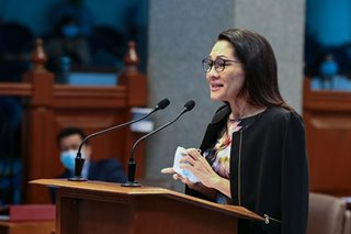 Hontiveros says lawyers looking into netizen's kill threat