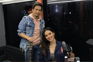 Catriona Gray, Sam Milby together in Wish bus performance
