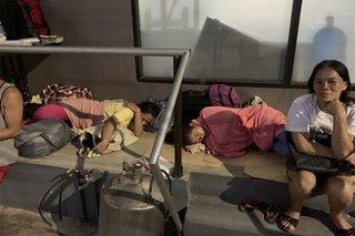 'Natutulog sa karton': Mga LSI sa labas ng Libingan ng mga Bayani humihingi ng tulong