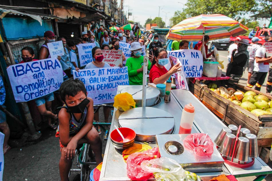 Vitas-Katuparan housing residents in Manila protest looming demolition