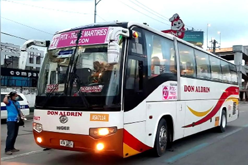 Mga kolorum at overloading na bus, hinuli sa Roxas Boulevard