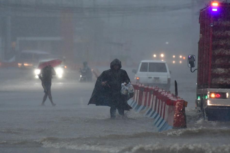 SLIDESHOW: Super Typhoon Rolly's fury 5