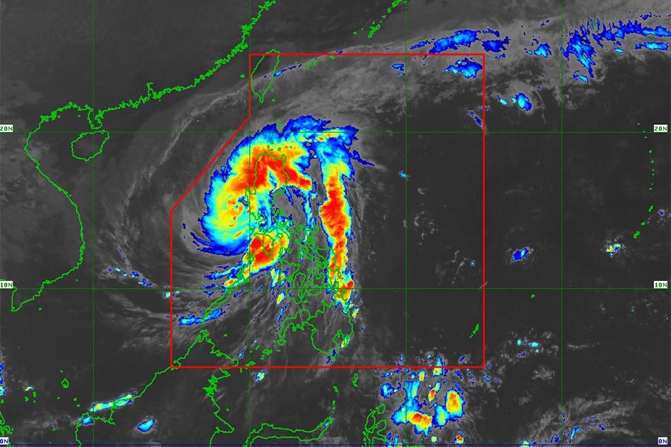 Typhoon Ulysses weakens, set to exit Luzon 1