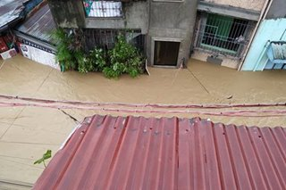 Marikina residents trapped by flood call for rescue