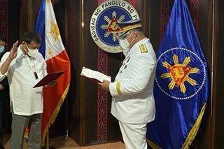 Sinas pormal nang nanumpa bilang bagong PNP chief kay Pang. Duterte