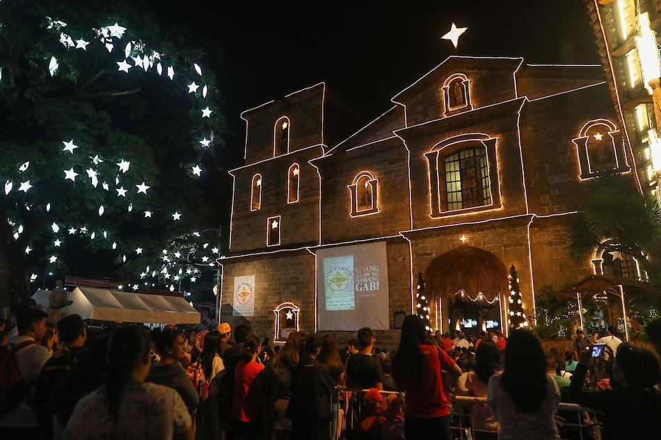 Metro Manila mayors ban minors from attending Simbang Gabi: MMDA 1