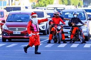 Santa's treat to motorists