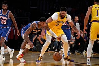 NBA: Lakers rout Knicks but lose Davis to injury
