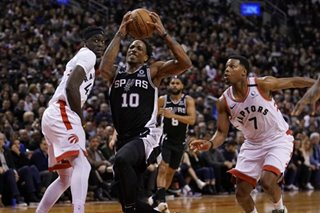 NBA: DeRozan, Spurs deny Raptors
